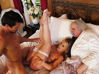 Erotic cuckold shows perfect spliced enticing dick relating to thirst