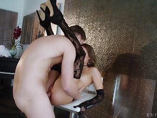 MILF pumps young inches down the ass in rough XXX action