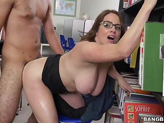 Video of wild fucking with busty Maggie Unfledged nigh a pen up meeting