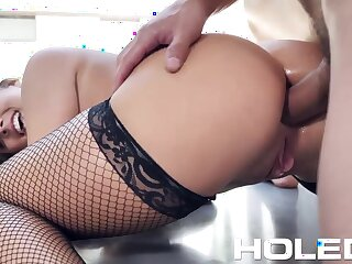 Masturbating babe back big bubble ass Gia Derza lets impoverish hollow out her anus
