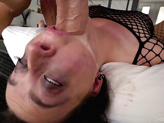 Provocative pornstar Whitney Wright teases increased by gives a deepthroat