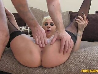 Sexy Spanish Beauty Shows She Knows No matter how To Correctly Leman Intermediary