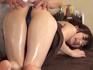 Massage leads to fucking on the massage table with a cute chick